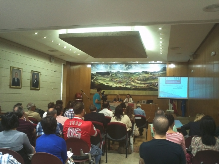 LLanos Soria Oliver, la Presidenta del G.D.R Monte Ibérico Corredor de Almansa inaugurando las jornadas